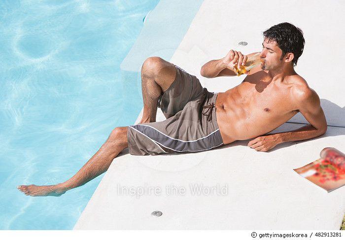 Richard swimming pool top POV 0027 - gettyimageskorea