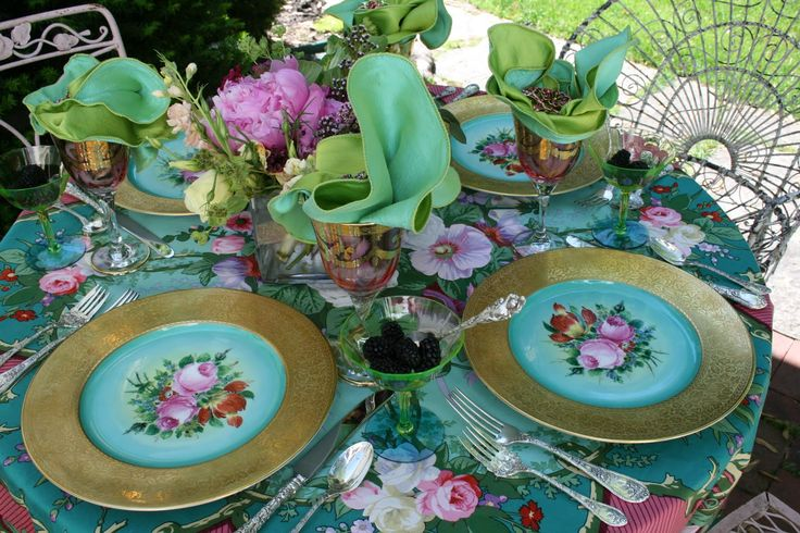 love these colorsWedding Tables, Lady Luncheon, Floral Prints, Tables Sets, Afternoon Teas, Round Tables, Robin Eggs Blue, Jewels Tone, Teas Parties