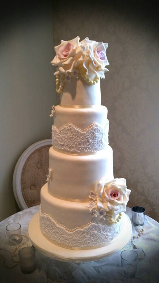 white wedding cake with blush roses 91 best images about delia and blush vintage wedding 27406