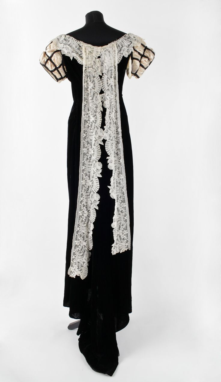 An early 1900s court dress