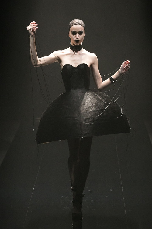 [No.47/55] alice auaa 2013~14秋冬コレクション | Fashionsnap.com