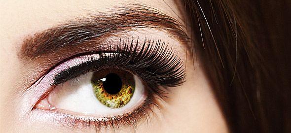 Τips στο μακιγιάζ για να δείχνουν τα μάτια σας μεγαλύτερα