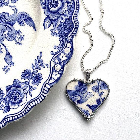 Collier pendentif porcelaine cassée bijoux coeur recyclé Chine antique oiseau floral bleu de récupération