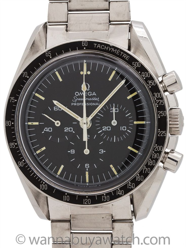 Omega Speedmaster Premoon ref 145.022-69 calibre 861 circa 1969 - Transitional model Omega Speedmaster pre Man on the Moon model, ref 145.022-69. Movement serial # of 30.5 million dates this example to 1969. This is the transitional model powered by caliber 861 manual wind movement as apposed to the now discontinued caliber 321, with original matte black stepped dial with painited Omega logo, with patina'd luminous indexes, and hands The 42mm stainless steel case is as perfect an example as…