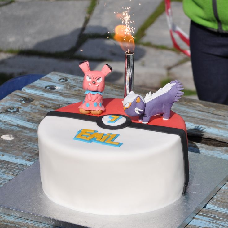 Pokèmon cake (snubbull and stunky). Vanilla chiffon cake filled with soya cream strawberry and strawberry jam.