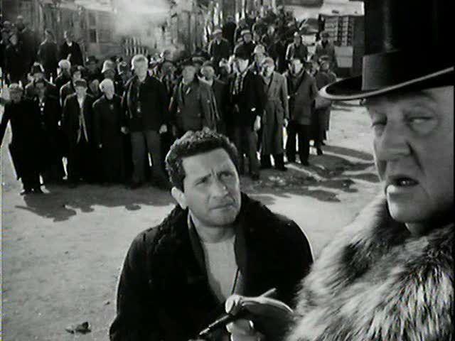 Miracolo a Milano, 1951  Paolo Stoppa
