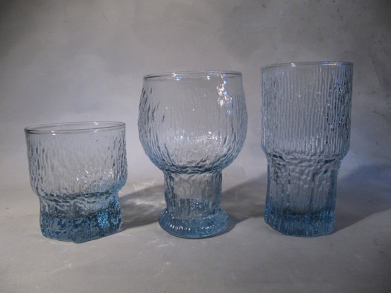 Iittala, Timo Sarpaneva Kekkerit, and Tapio Wirkkala Aslak, (style) glass and goblet set, sea blue, 16 total