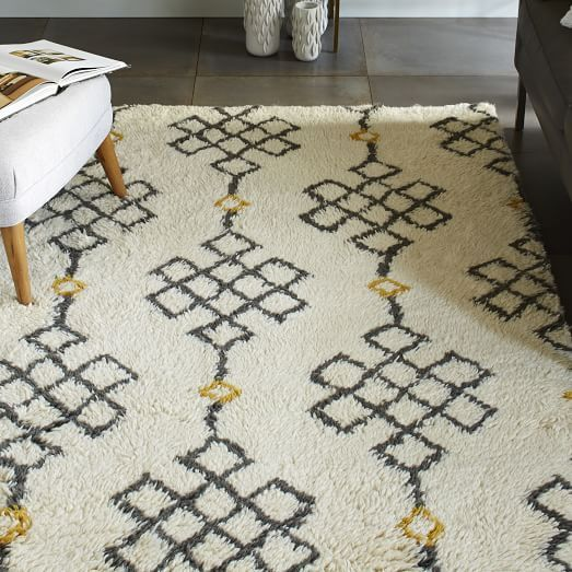 Odds & Ends: How to Stop a Rug From Shedding | Lauren Conrad