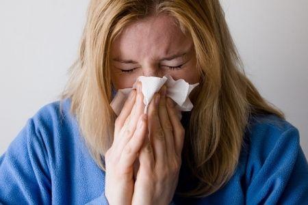 A felső légúti betegségek, a nátha, a torok és mandulagyulladás, tüdőgyulladás egytől egyig kórokozók következményei: baktériumok, vírusok, gombák.  Ezek az élőlények csak megfelelő körülmények között képesek szaporodni. Fizikusok szerint a kórokozók a pára vízcseppjeinek felszínén utaznak. Minél nagyobb a páratartalom a levegőben, annál több a kórokozó. A szervezetnek fogékonynak kell lennie ezekre a baktériumokra és vírusokra, a fogékonyság pedig immunrendszerünktől függ, ezért elsősorban…
