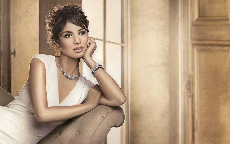 Yourguide to unique Swarovski Jewellery #Swarovski #crystal #jewellery #fashion #jewelrytrends #etsy