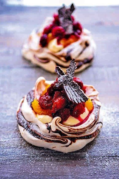 Mini Cranberry, Orange and Chocolate Pavlovas