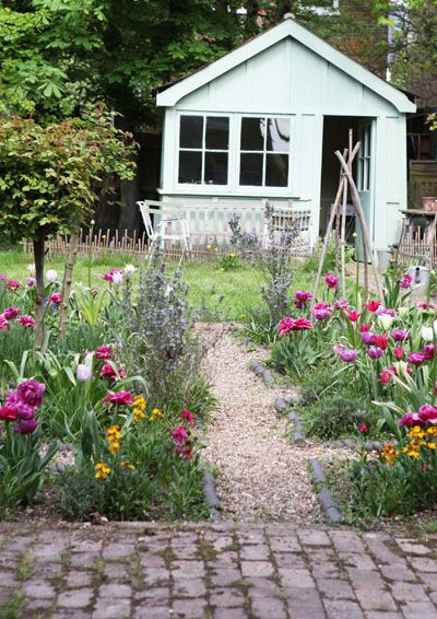 Charming Potting shed....Jane Cumberbatch`s Pure Style - Blog