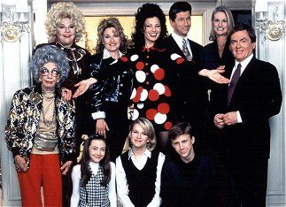 Une nounou d'enfer ~The Nanny !  I love this serie, it's all my Childhood and my life ! AMAZING show, AMAZING CAST, Hilarious dialogues and lovable characters ! And the best actress, my queen FRAN DRESCHER