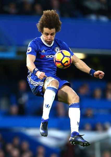 David Luiz of Chelsea controlls the ball during the Premier League match between Chelsea and AFC Bournemouth at Stamford Bridge on December 26, 2016 in London, England.