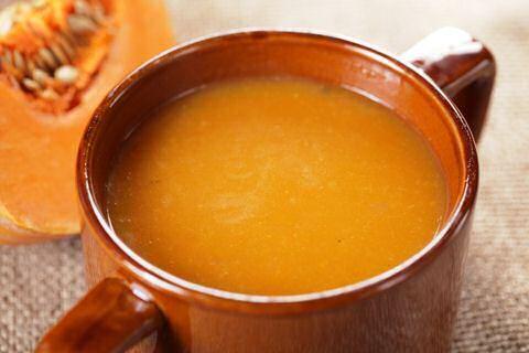 Pompoensoep: een beetje curry erbij en ... heerlijk!