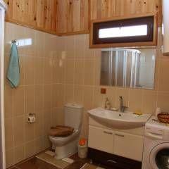 Casas de banho campestres por Kuloğlu Orman Ürünleri