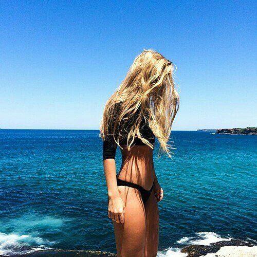 klawerswim:: Bom dia sexta -feira #crochet #crochetpassion #croptop #crochetbikini #crochettop #croche #handmadr #handwork #handmadeforyou #handmadetop #handmadewithlove #tropical #tropic #beachwear #beach #summernight #summer #summerscommig #fashion #dress #dresstore #clothes