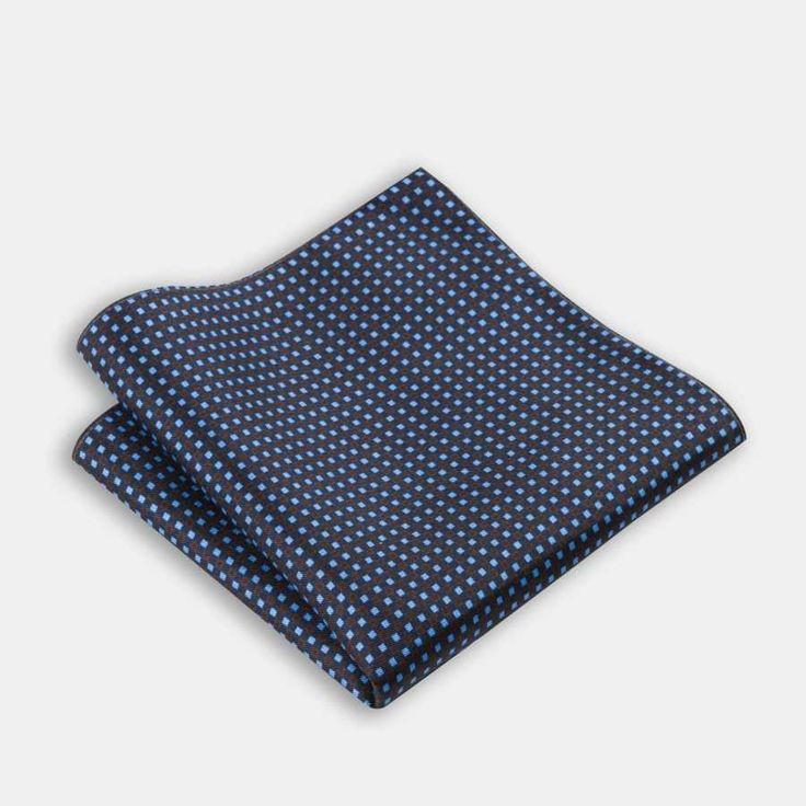 Mavi kareli ipek mendil  | 34.99 TL