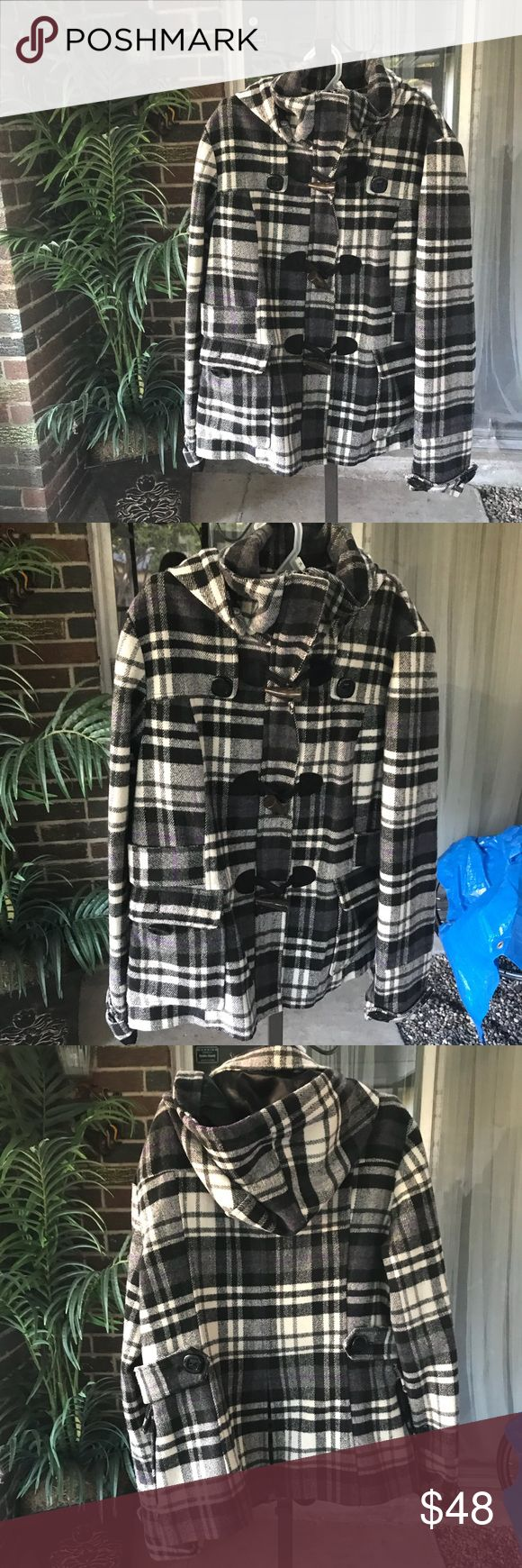 Black and white plaid print winter coat/jacket Winter is coming, and this is the perfect coat to help you prepare. It's equipped to handle cold weather but isn't bulky and will keep you warm and stylish this winter season. Jackets & Coats