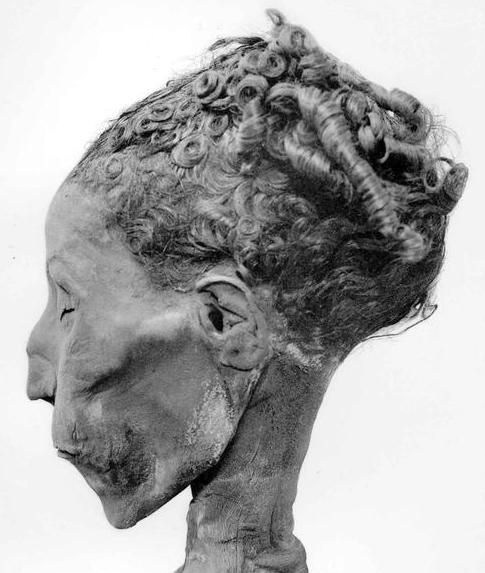 Greek style hair. Mummies and mummy hair from ancient Egypt. Description from pinterest.com. I searched for this on bing.com/images