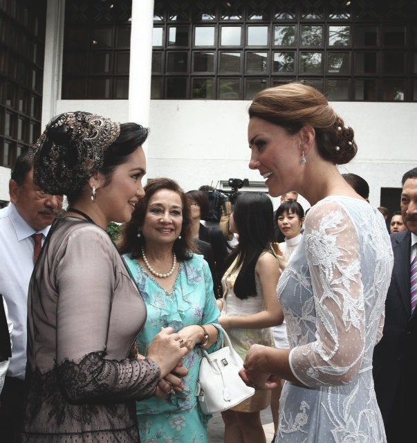 The duchess meeting Siti Nurhaliza