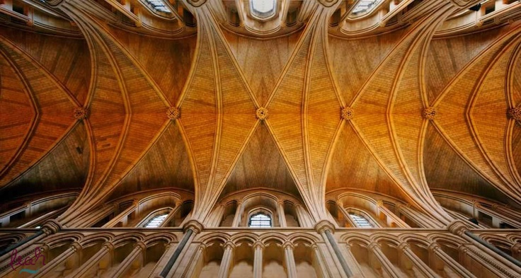 The ceiling of Southwark Cathedral in London, England (© Loop Images/Superstock)