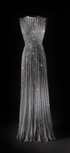 Miss Millionairess & Co.: Pleated Chiffon evening Gown with Beading and glitter, so beautiful