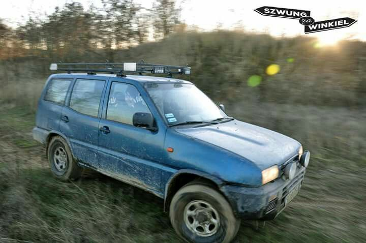 Terrano II on grass offroad