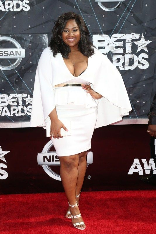 2015+BET+Awards+Arrivals-jasmine-sullivan