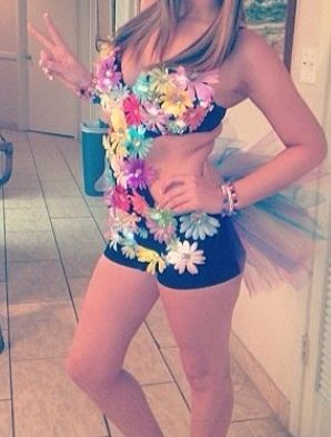 Simple cute Daisy rave outfit!
