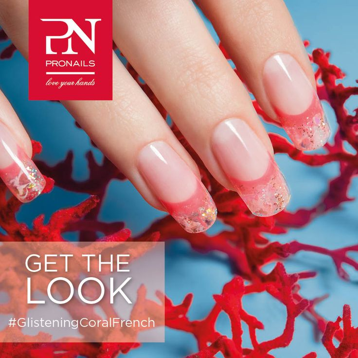 Innumerevoli sfumature cristalline in questa bellssima French Manicure... per un look underwater!  #GetTheLook #GlisteningCoralFrench #ProNailsItalia #CoastalCollection #ProNails