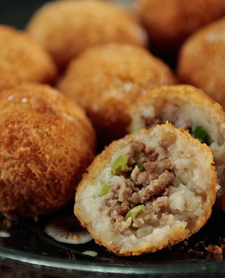 Taro puffs are fried dumplings, a favorite dim sum dish. Lightly crisp on the surface, creamy underneath and bursting with meat at the center.