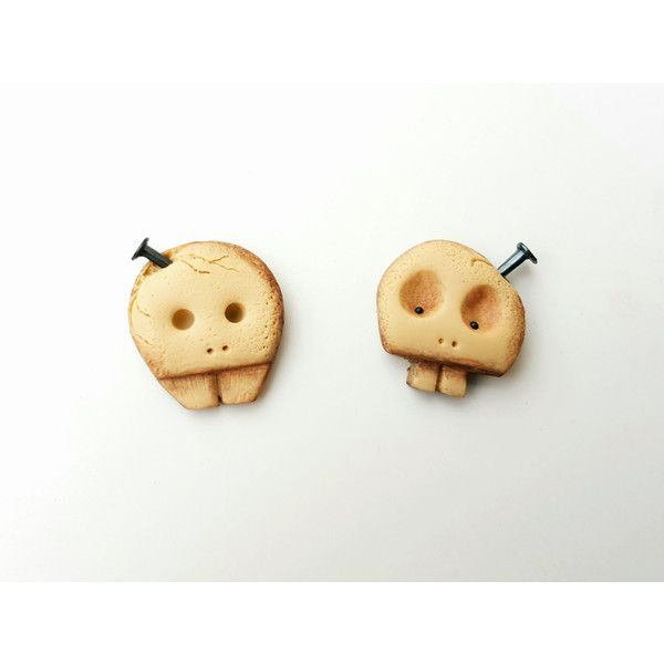 Stud earrings skull fashion spooky polymer clay geekery geek jewelry... (31 PLN) via Polyvore featuring jewelry, earrings, skull stud earrings, bronze jewelry, christmas jewelry, humör and birthday jewelry