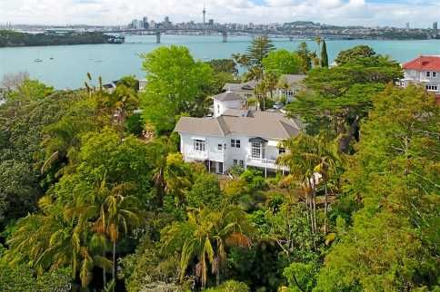 Grand Estate By The Bay | 1872m - Premium Real Estate