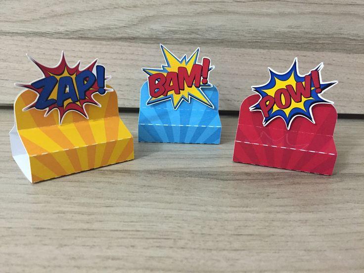 Caixa para Bis Duplo confeccionado com papeis e recortes especiais. Personalizamos com o nome e o personagem em 3D. <br> <br>Personalizamos em todos os temas! <br> <br>(não acompanha chocolate bis)