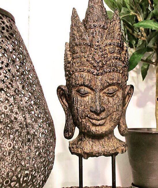 Nielsens brugskunst Beautiful Buddha on stand