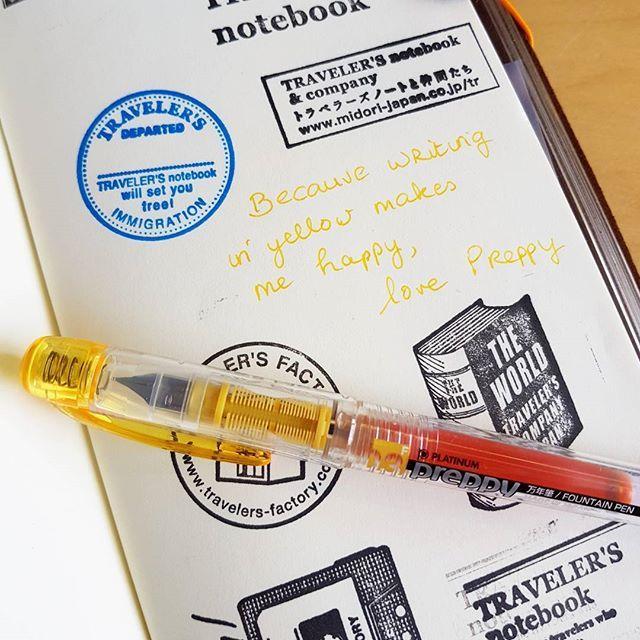 HAPPY met mn gele PREPPY want van schrijven met gele inkt word je vanzelf zonnig! in de webshop! ---------- HAPPY with my yellow Preppy because writing in yellow makes my mood sunny ! In the webshop! . . . #platinumpreppy #yellowink #fountainpen #yellowfountainpen #vulpen #preppy #geel