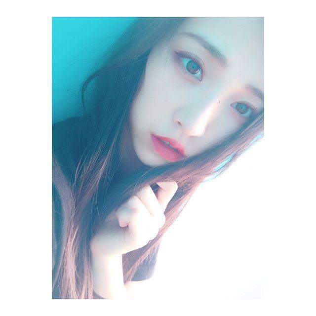 WEBSTA @yuriyasuzuki_828 気分によってなくす前髪 分け目変えるとできるの