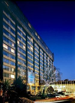 LONDON Copthorne Tara Hotel London Kensington Scarsdale Place http://www.comparestoreprices.co.uk/cheap-hotels/london-copthorne-tara-hotel-london-kensington.asp