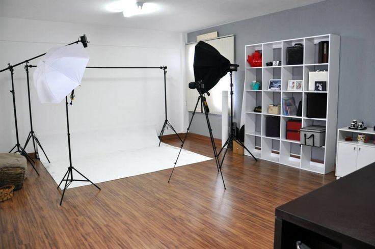 Photo studio hire in Milton Keynes, Bucks. Flexible studio hire at Uniquecapture. Premium photo studio rental facilities, 3 photography studios in one Milton Keynes location - http://www.miltonkeynesstudio.com