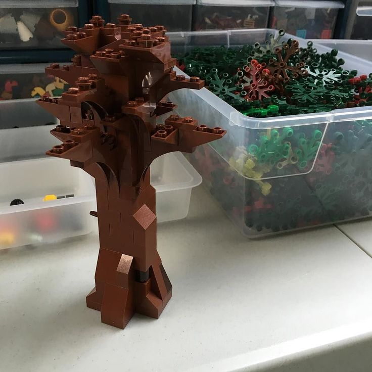 More work on the Lego Tree Frame pre-leaves #lego #moc #afol #trees by zanybricks