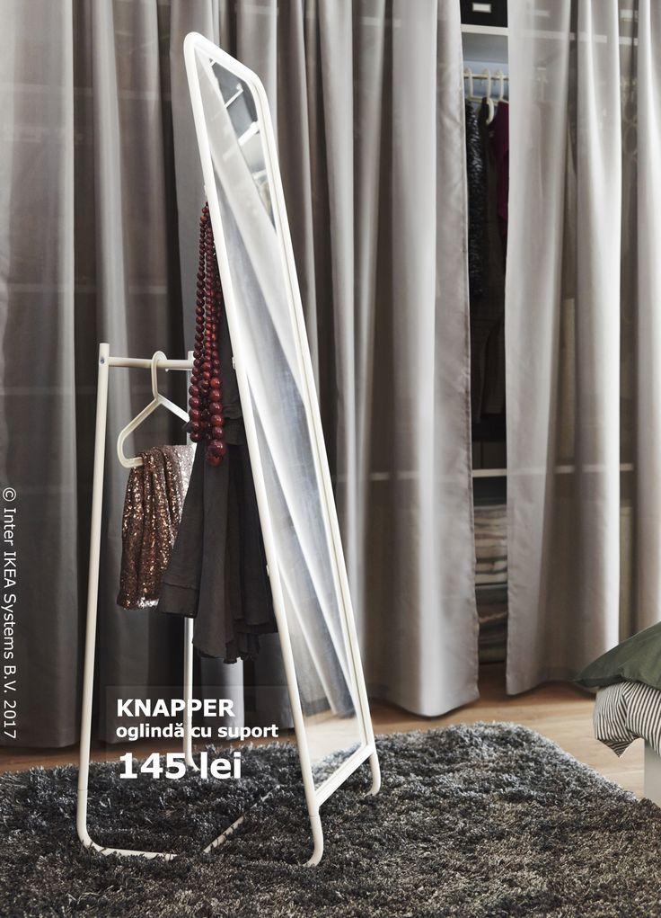 Oglinda KNAPPER este, de asemenea, o soluție practică de depozitare - agață hainele în spatele ei și salvează timp dimineața.