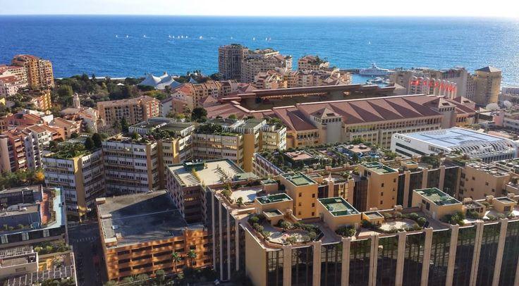 Stadion Ludwika II widziany z Ogrodu Egzotycznego w Monaco