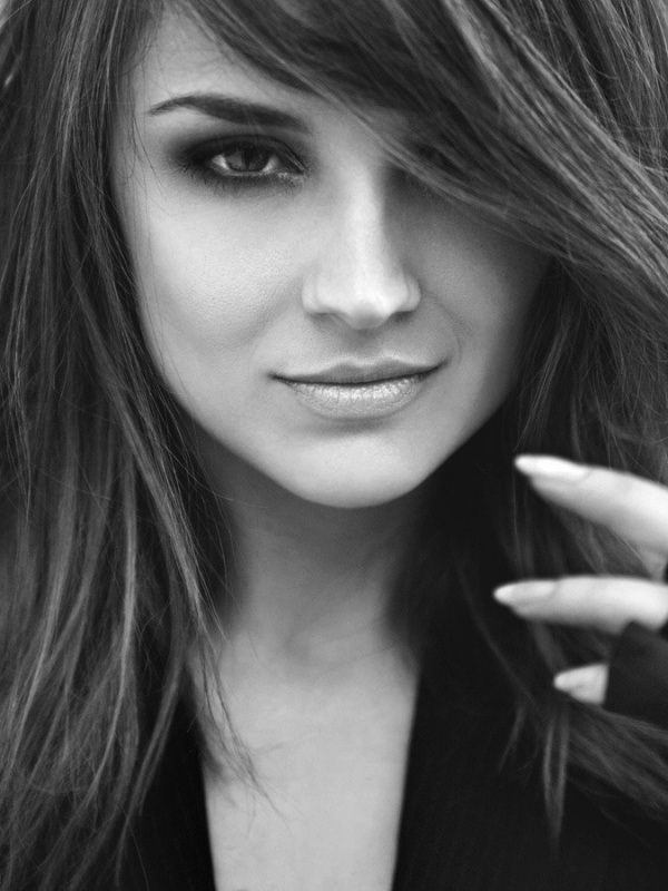 Rachel Leigh Cook - Used to have such a crush on her. I can still see why!