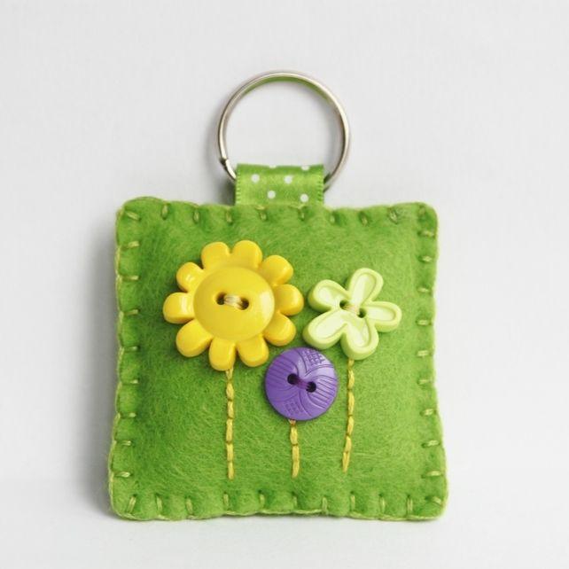 Felt Flower Button Keyring | Embroidery/Felt | Pinterest | Felt Flowers, Felt and Button flowers