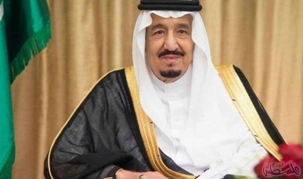 العاهل السعودي الملك سلمان بن عبد العزيز يدشن Nun Dress Fashion Academic Dress
