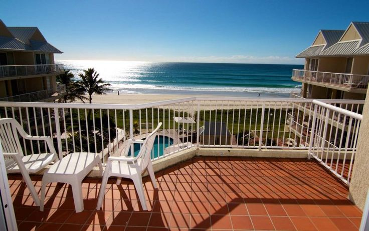 Crystal Beach - 3 Bedroom Ocean View Apartment - Absolute Beachfront Apartments Gold Coast