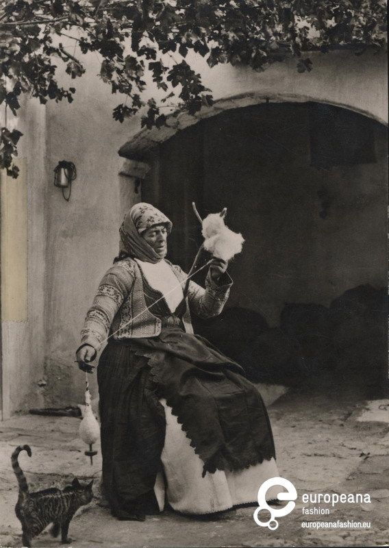 Postcard B/W photo of a woman with local costume from Megara, Greece.