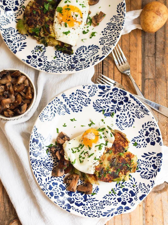 Fall bubble and squeak topped with a fried egg and garlicky mushrooms! Gluten free and vegetarian way to use up leftover mashed potatoes and veggies! #ad #beholdpotatoes