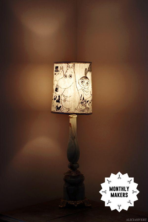 Lampskärm sydd och dekorerad med Mumintroll, av Alicia Sivertsson, 2015. Monthly Makers februari, tema återbruk.